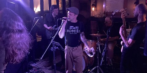 The Razors Band live performance 22