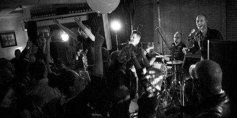 The Razors Band live performance 18